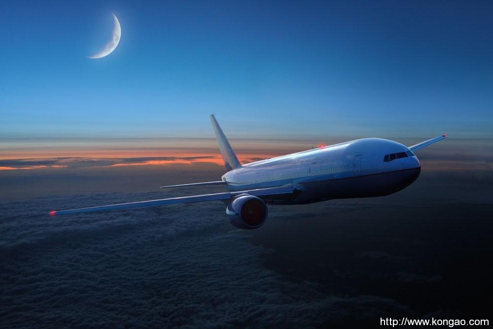 去年航空港区GDP迫近千亿 跨境电商产业连续四年翻番式增长