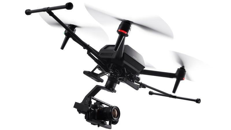 索尼的第一架无人机是 9000 美元的专业级野兽