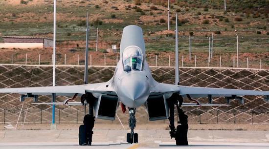 中国可能正在将人工智能系统装配至歼-16战斗机,此举将让后者转变为部分或者完全无人化的飞行器。
